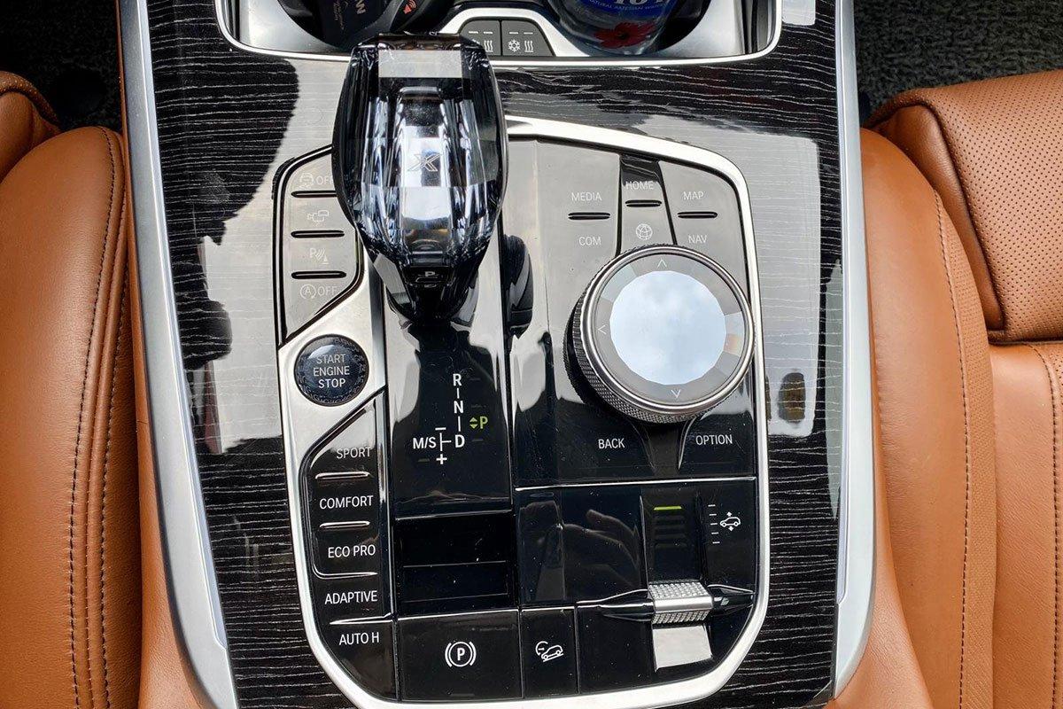 Cần số xe BMW X7 2019 1
