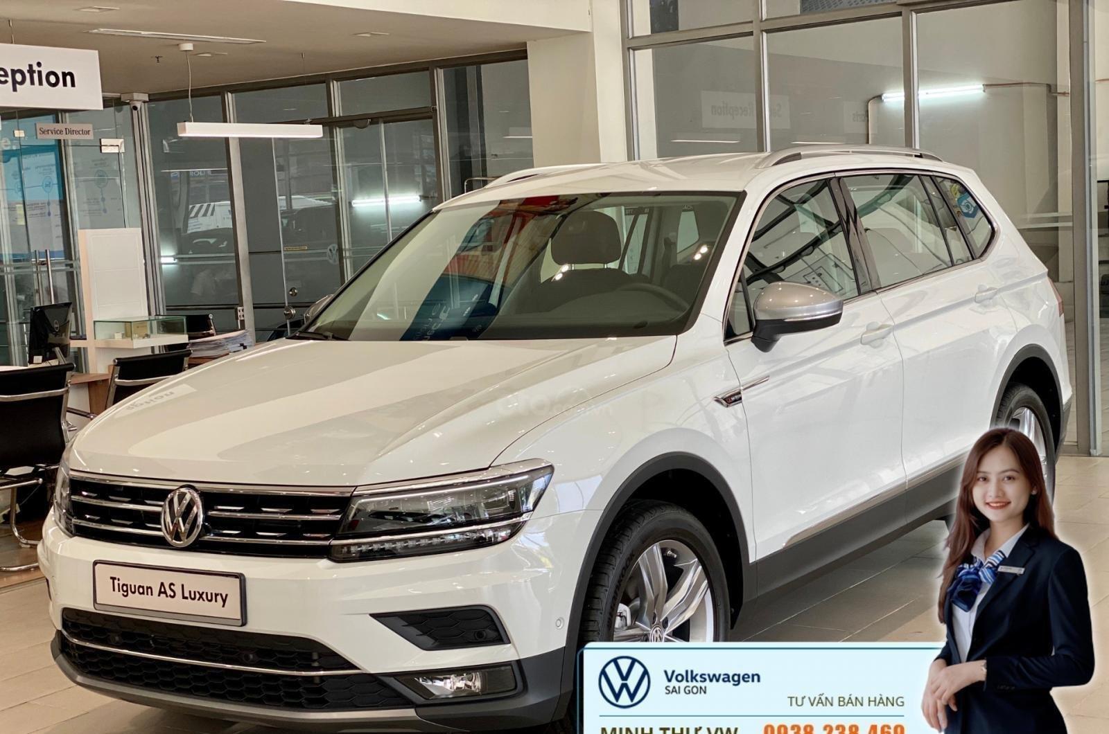 Volkswagen Tiguan Luxury Topline màu trắng, nâng cấp sang trọng - SUV 7 chỗ nhập khẩu - KM tháng ngâu lên đến 170 triệu (6)