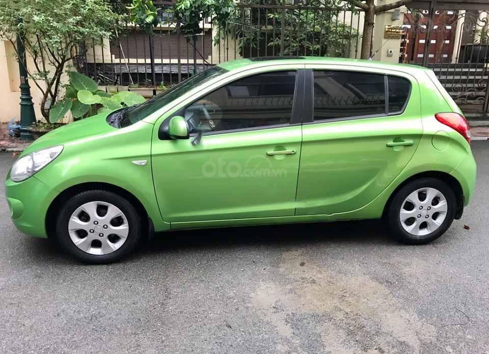 Cần bán Hyundai i20 1.4AT sản xuất 2010, nhập khẩu   (1)