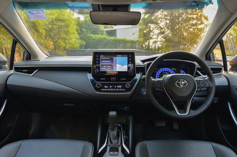 Ảnh chụp nội thất xe Toyota Corolla Altis 2021