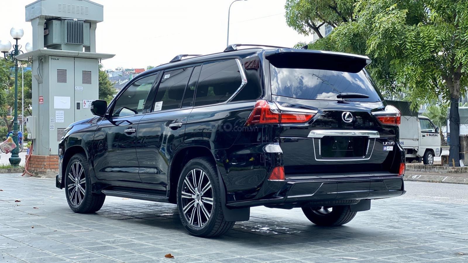 Bán Lexus LX 570s Supper Sport SX 2020, màu đen, xe nhập Mỹ mới 100% (6)