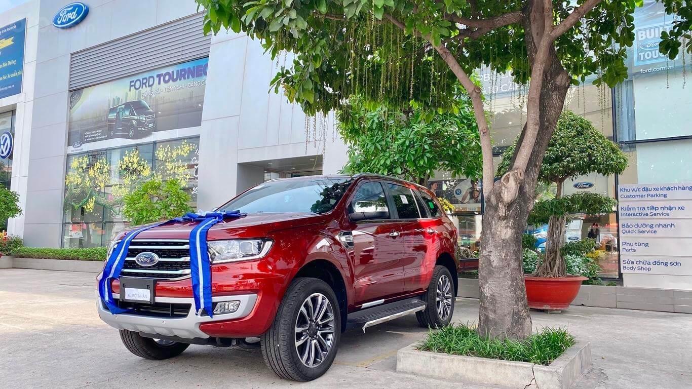 Cần bán xe Ford Everest năm sản xuất 2020 xả kho tháng ngâu (1)