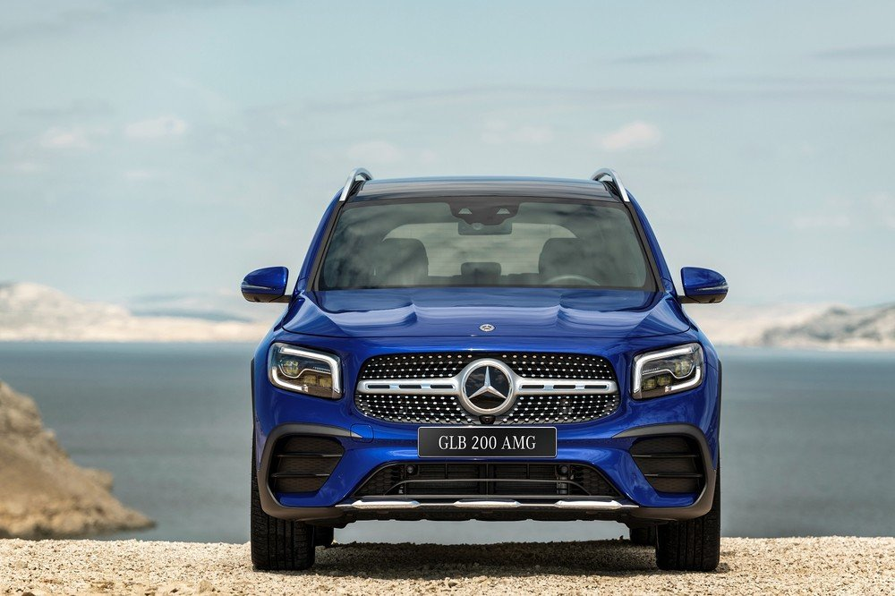 Ngoại thất Mercedes-Benz GLB200 4MATIC 2021.