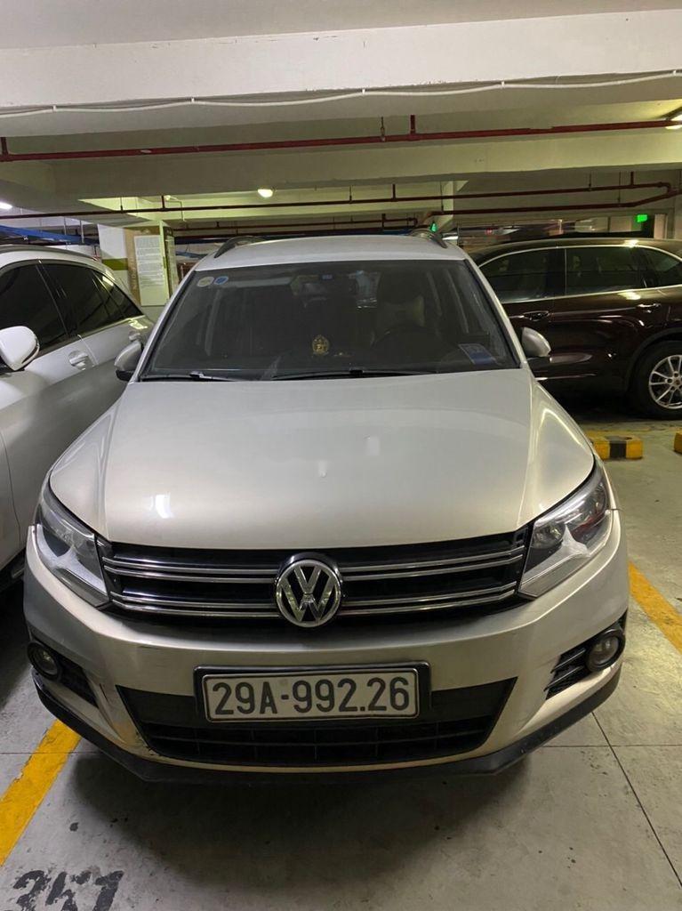 Bán gấp chiếc Volkswagen Tiguan đời 2012 số tự động, xe còn hoàn toàn mới, giá ưu đãi (1)