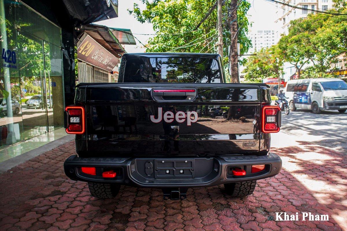 Ảnh chính diện Đuôi xe Jeep Gladiator 2020