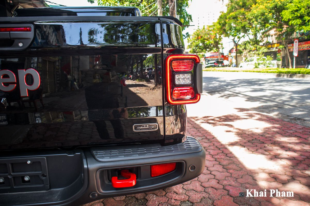 Ảnh Đèn hậu xe Jeep Gladiator 2020 a1