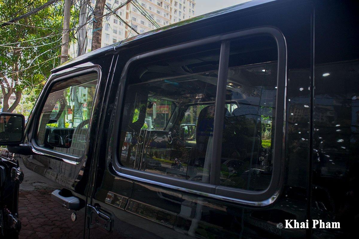 Ảnh Kính cửa xe Jeep Gladiator 2020