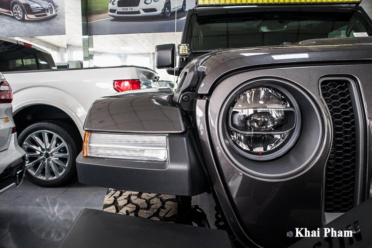 Ảnh Đèn pha xe Jeep Wrangler 2020