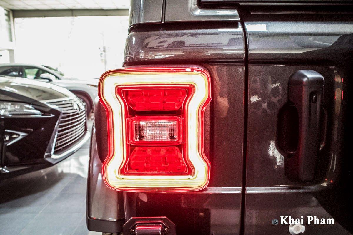 Ảnh Đèn hậu xe Jeep Wrangler 2020