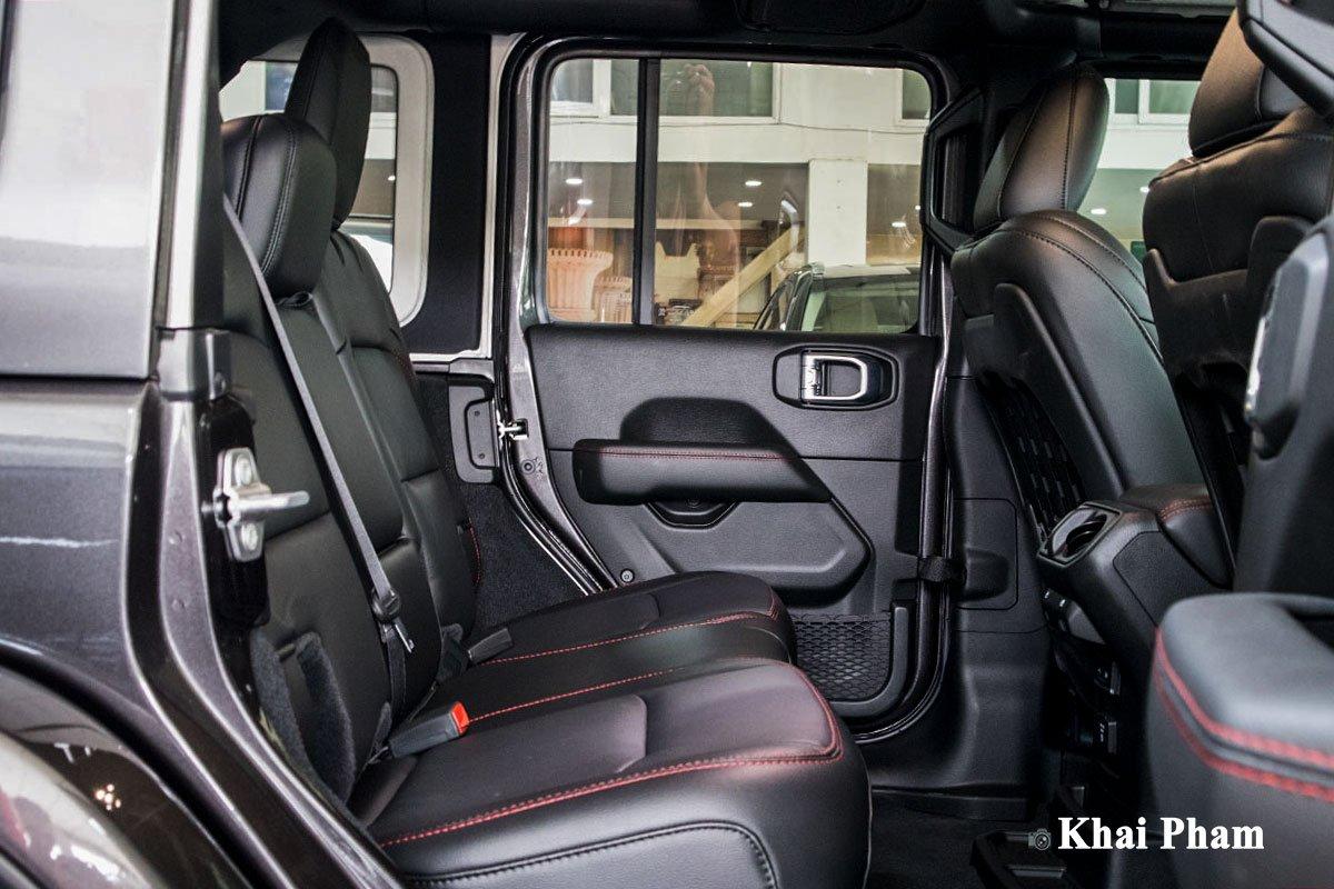 Ảnh Ghế sau xe Jeep Wrangler 2020 b1