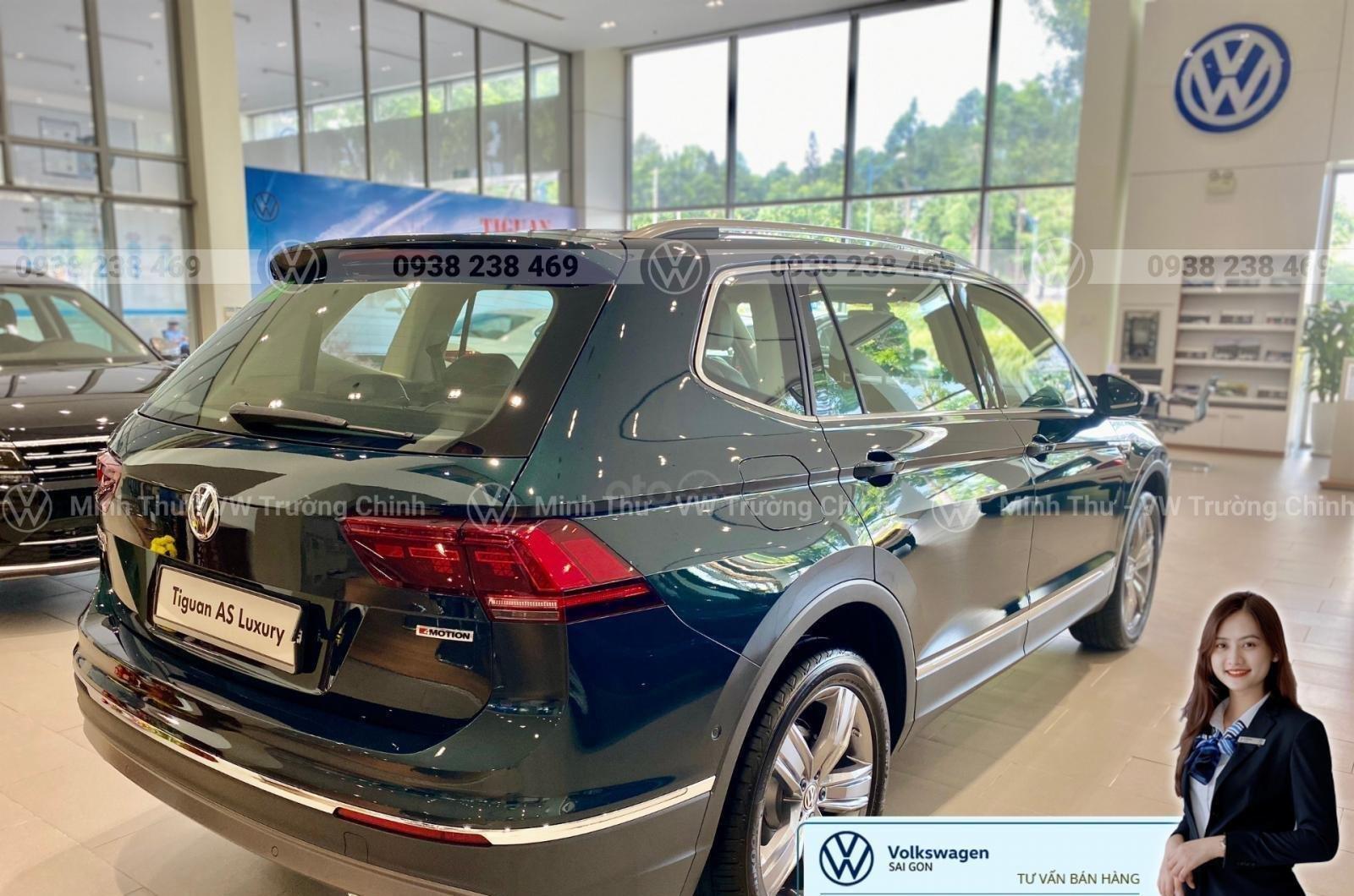Khuyến mãi đặc biệt xe Tiguan Luxury màu xanh rêu màu độc hiếm có - Giao ngay  (11)