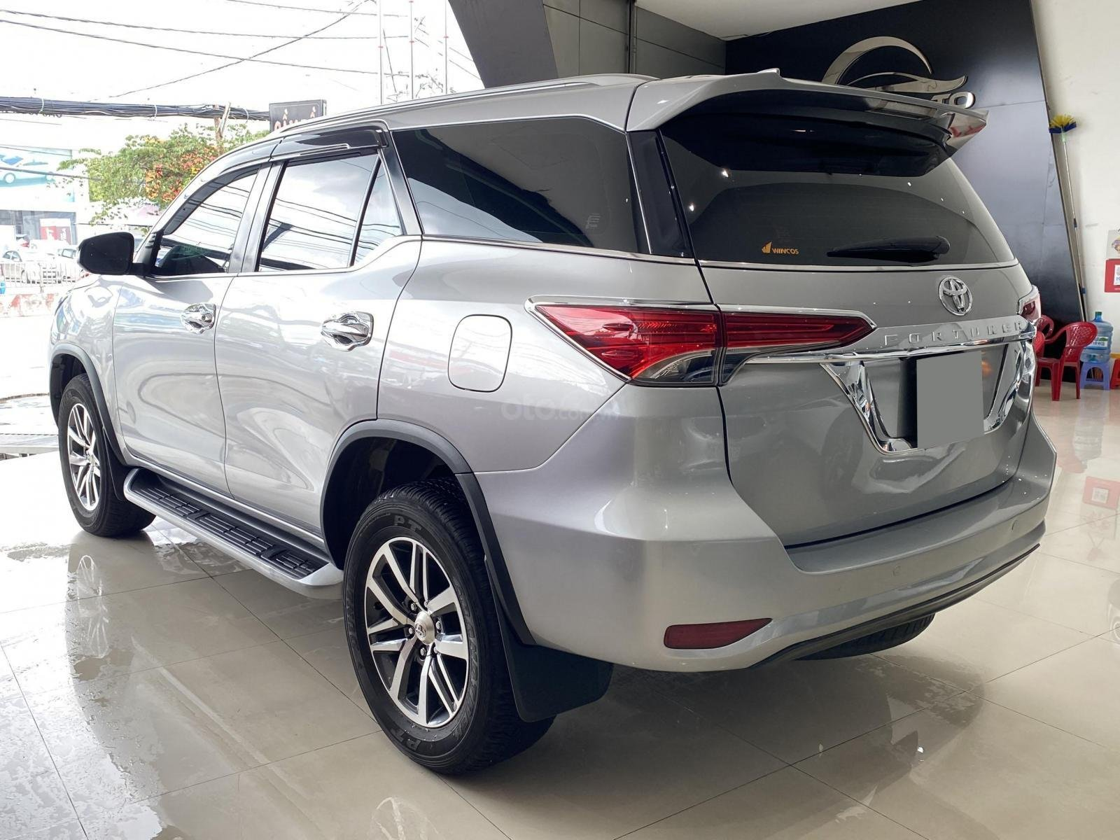 Bán xe Toyota Fortuner AT 2.7 2017 Full xăng 2 cầu (4)