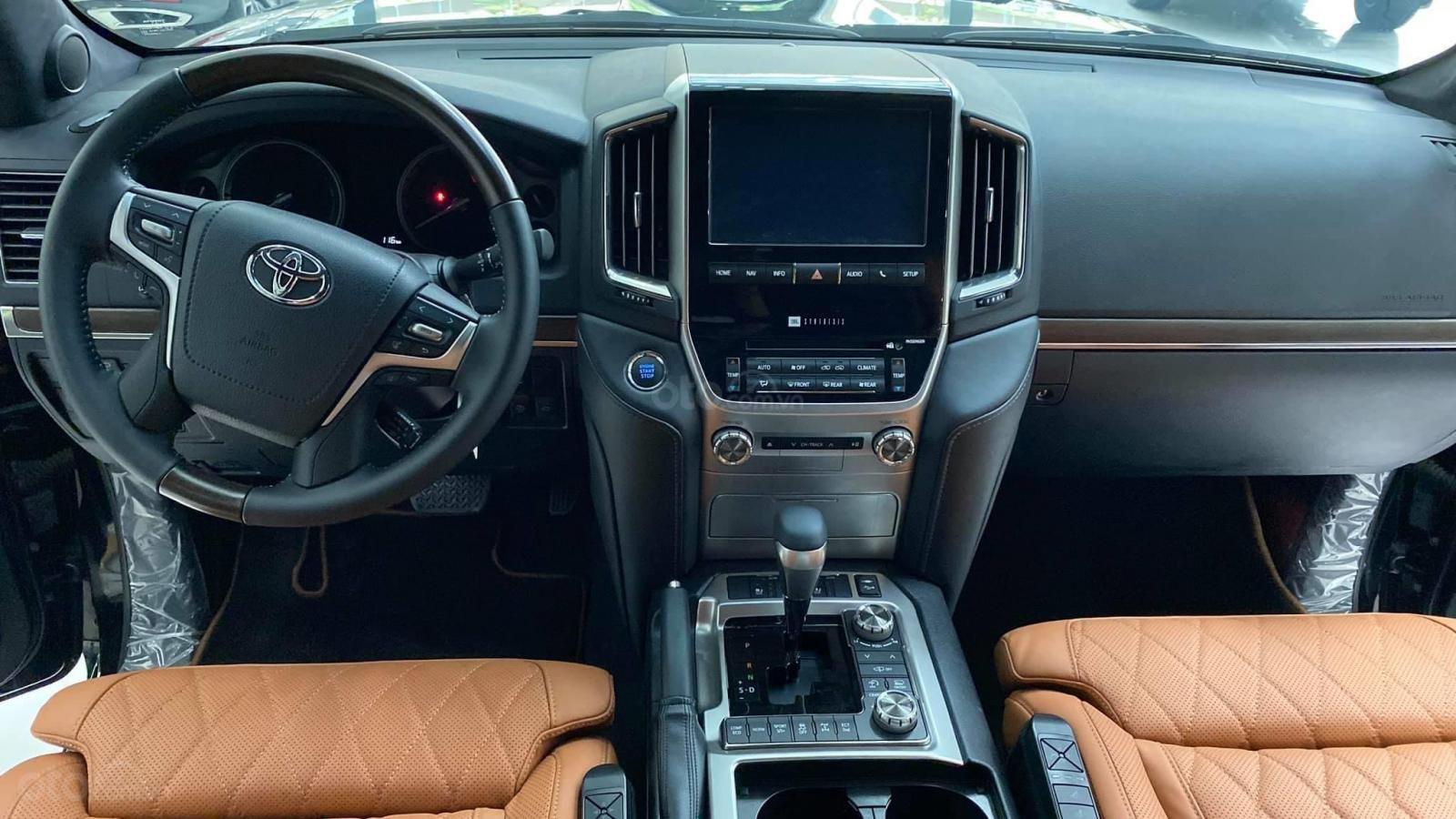 Bán Toyota Land Cruise VX S 5.7 sản xuất 2020, 4 ghế Massage siêu vip, xe giao ngay, giá tốt (9)