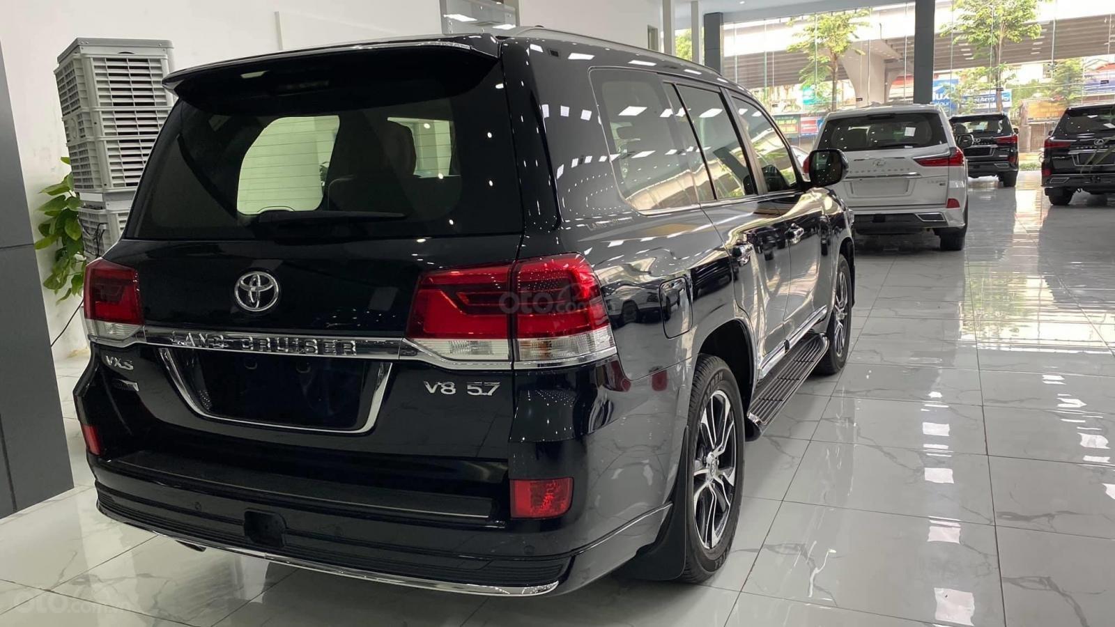 Bán Toyota Land Cruise VX S 5.7 sản xuất 2020, 4 ghế Massage siêu vip, xe giao ngay, giá tốt (6)