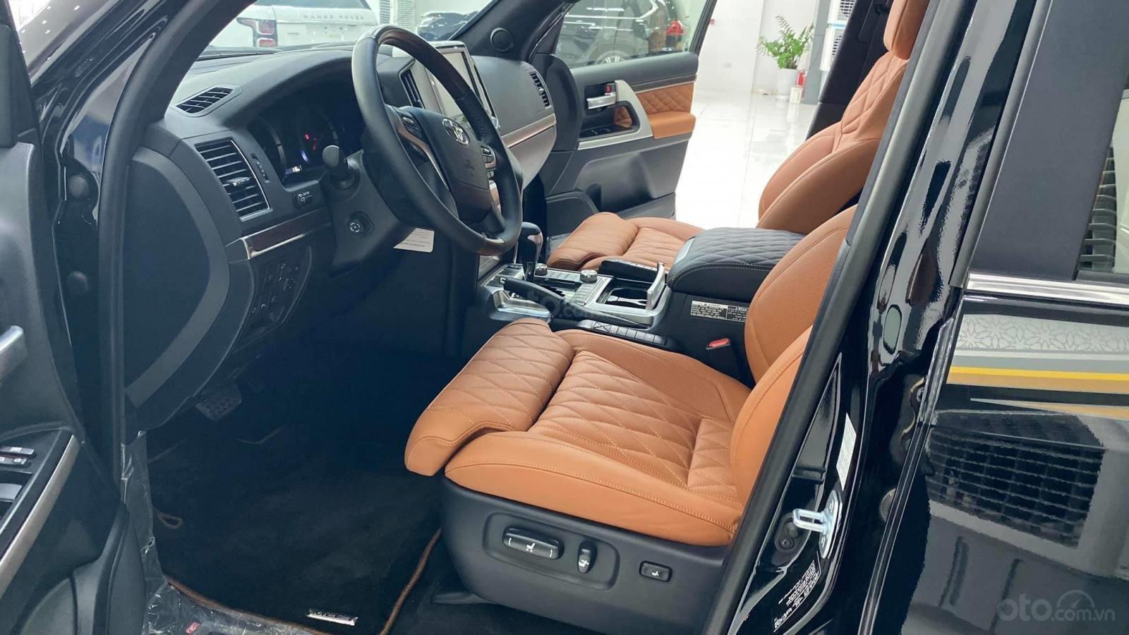 Bán Toyota Land Cruise VX S 5.7 sản xuất 2020, 4 ghế Massage siêu vip, xe giao ngay, giá tốt (7)