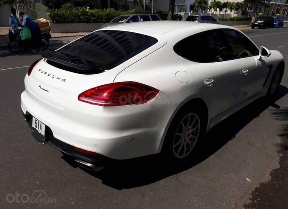 Bán xe Porsche Panamera sản xuất năm 2014, màu trắng, nhập khẩu nguyên chiếc (4)