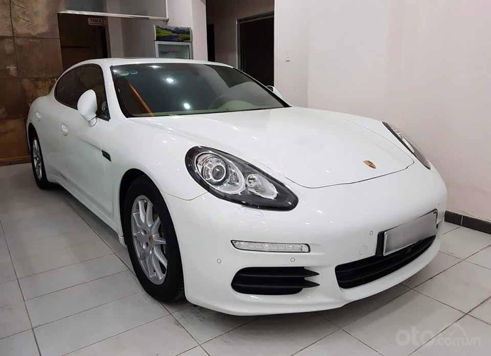 Bán xe Porsche Panamera sản xuất năm 2014, màu trắng, nhập khẩu nguyên chiếc (1)
