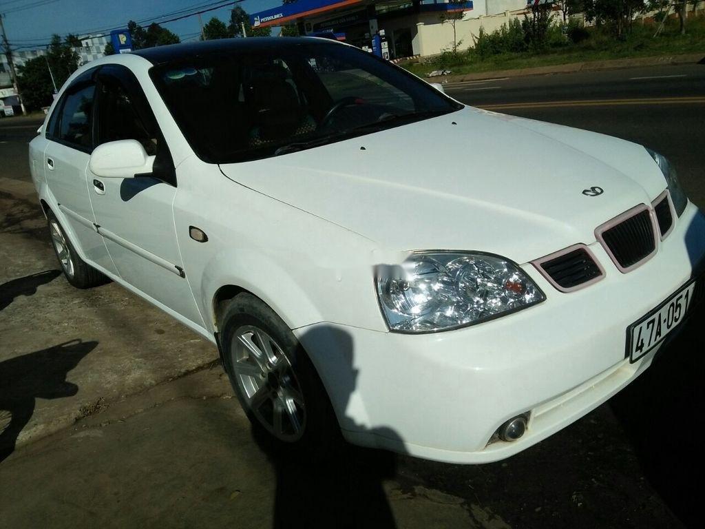 Cần bán Daewoo Lacetti đời 2004, màu trắng xe gia đình giá cạnh tranh (7)