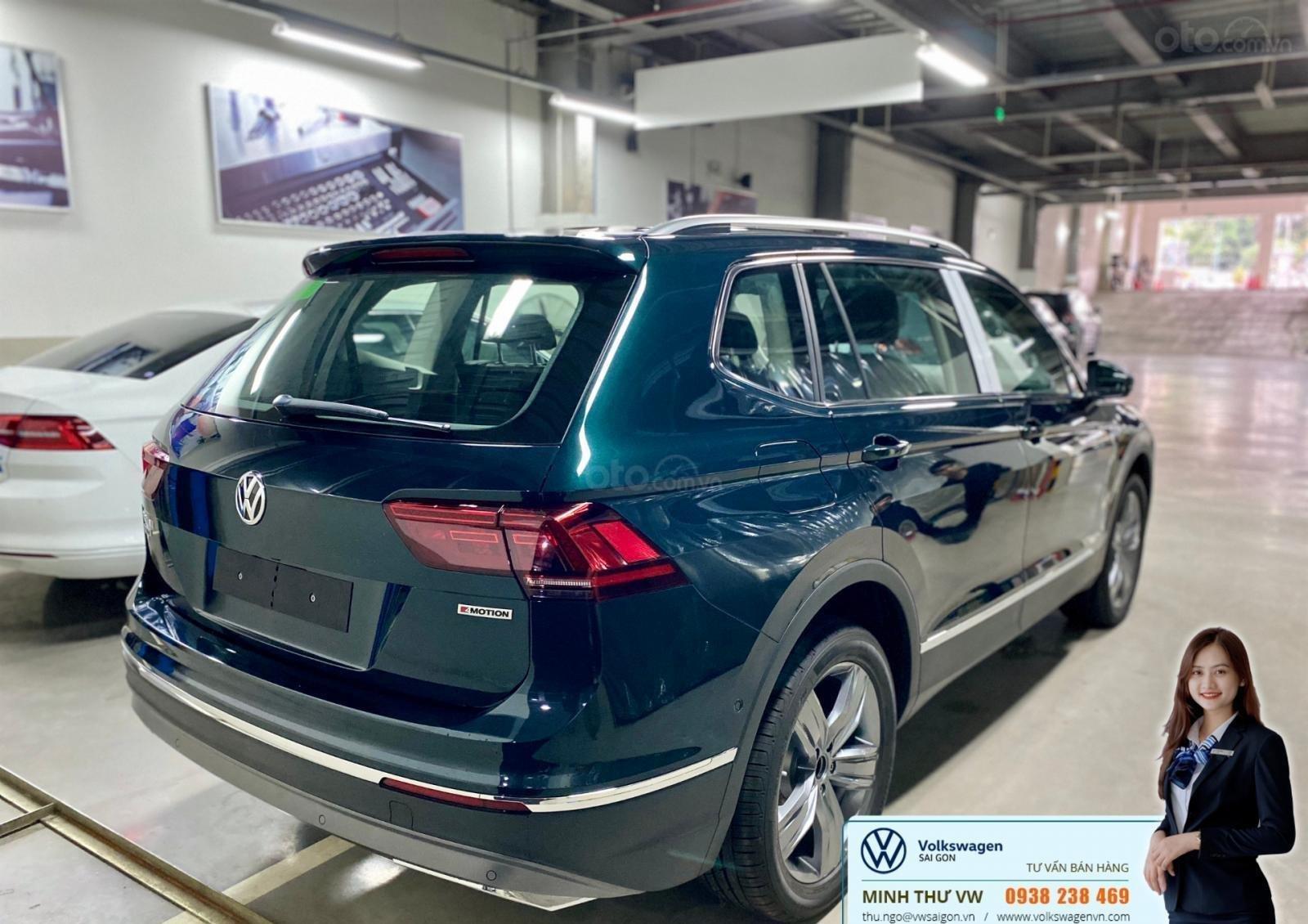 Khuyến mãi đặc biệt xe Tiguan Luxury màu xanh rêu màu độc hiếm có - Giao ngay  (3)