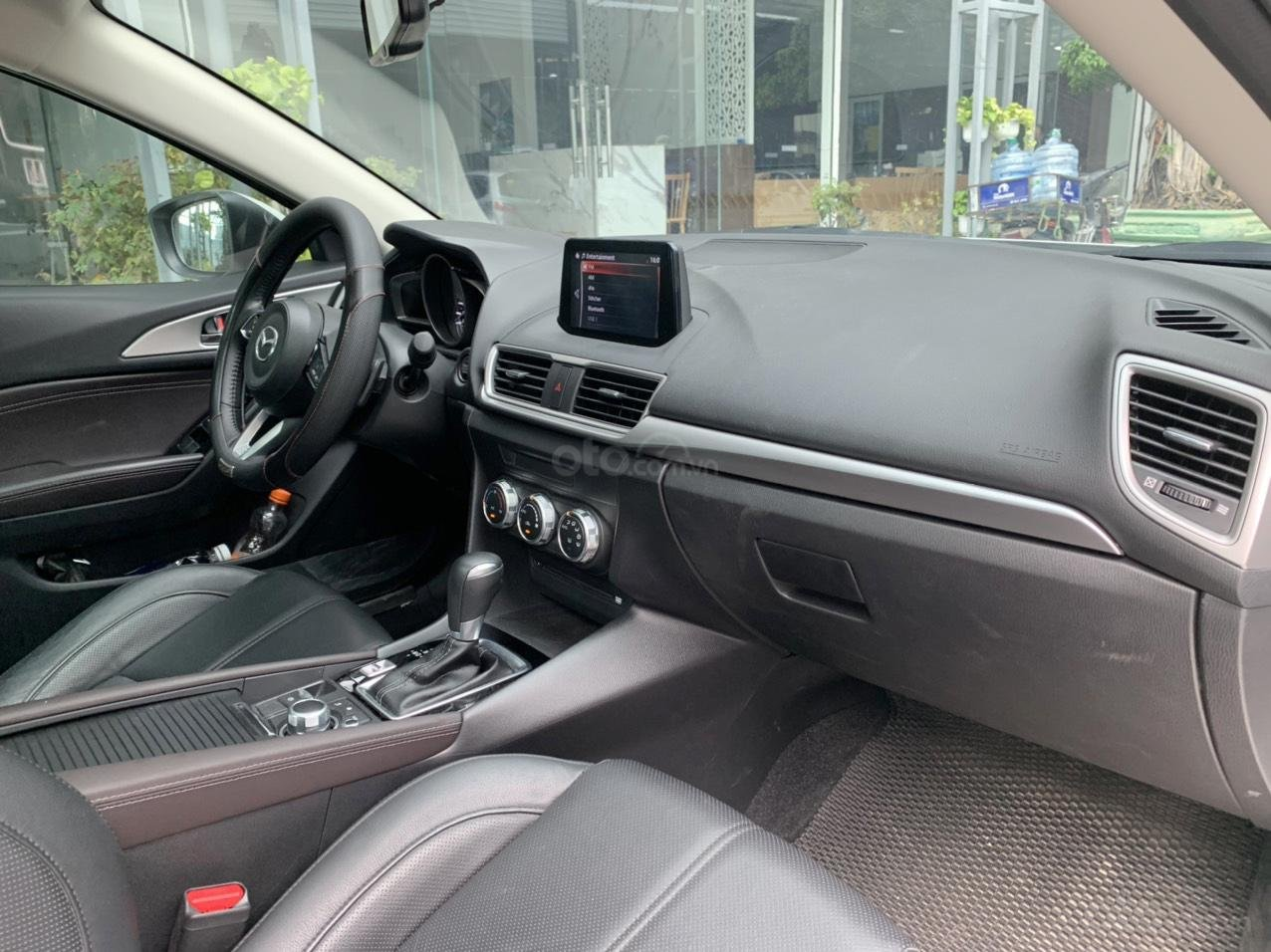 Mazda 3 Sedan, sản xuất và đăng kí 2019 (9)