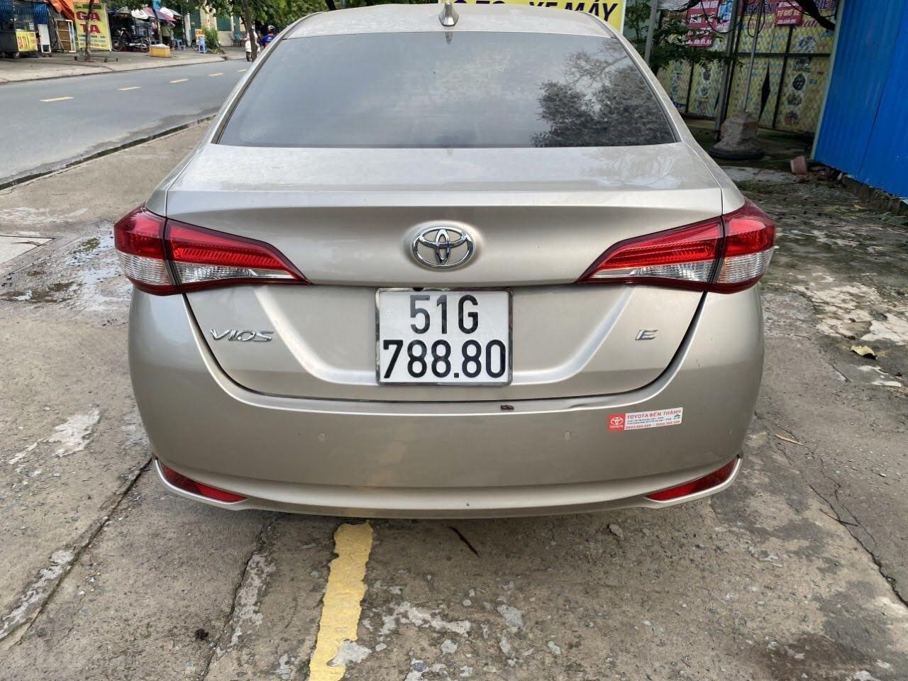 Cần bán Toyota Vios 1.5 E số tự động bản cao cấp (2)