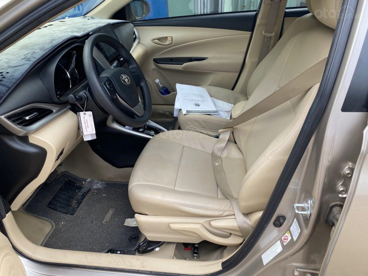 Cần bán Toyota Vios 1.5 E số tự động bản cao cấp (4)