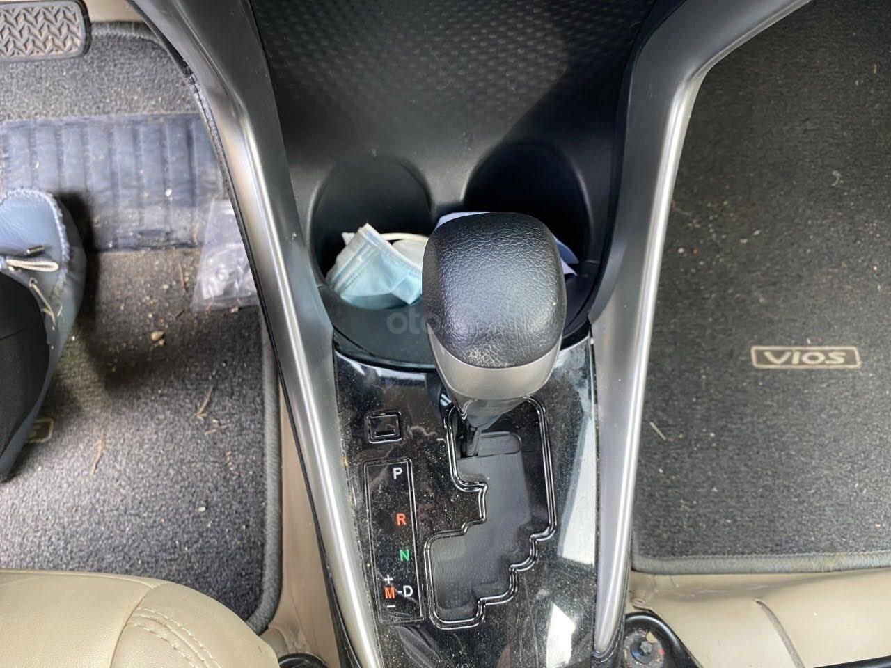 Cần bán Toyota Vios 1.5 E số tự động bản cao cấp (6)