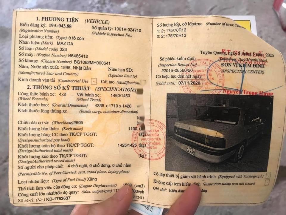 Cần bán lại xe Mazda 323 đời 1995, màu bạc, nhập khẩu (9)