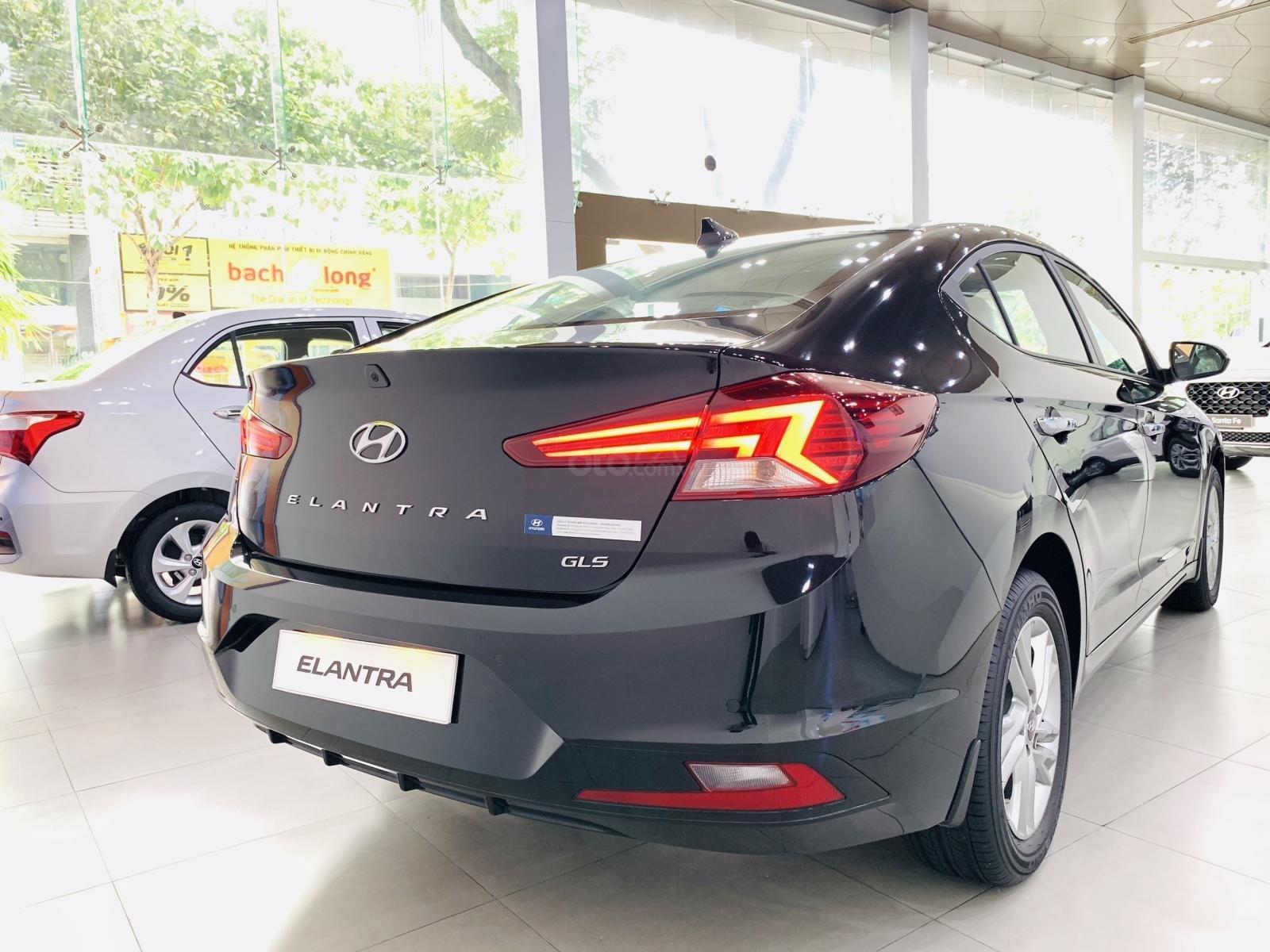 Bán Hyundai Elantra 1.6MT 2019 (2)