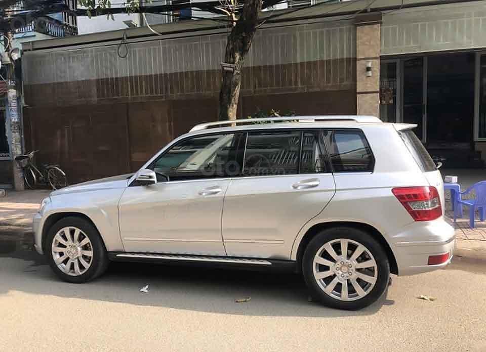 Cần bán lại xe Mercedes GLK300 sản xuất 2010, màu bạc, nhập khẩu (1)