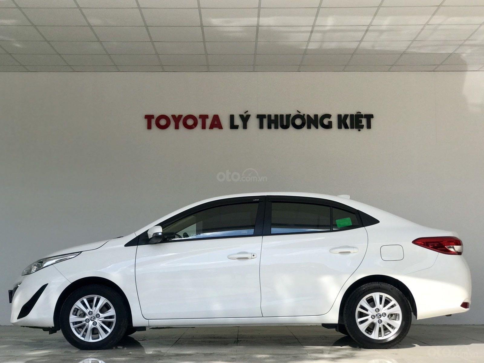 Bán xe Toyota Vios đời 2018, màu trắng xe giá tốt 480 triệu đồng (7)