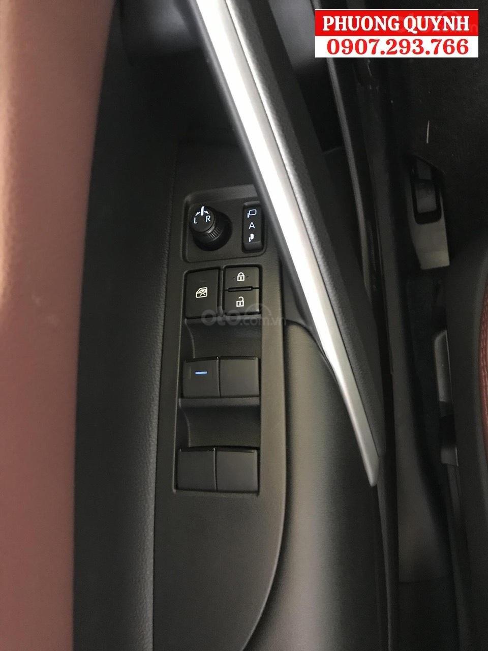 Toyota Corolla Cross 2020, xe sẵn giao ngay cực hot (2)
