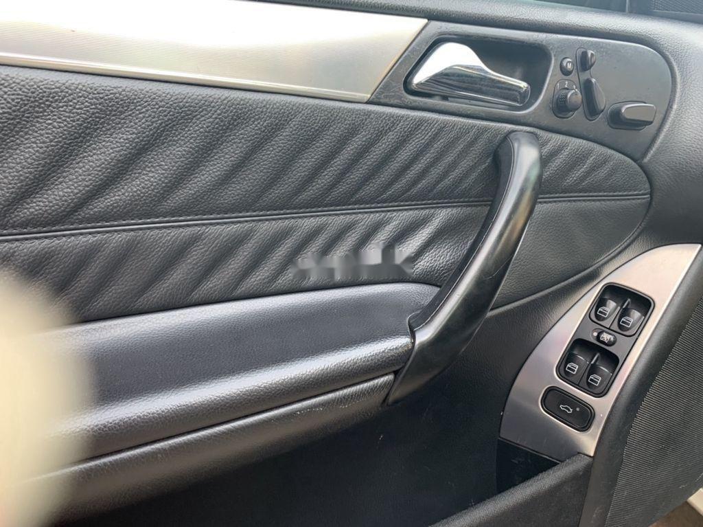 Cần bán xe Mercedes C240 sản xuất 2004 số tự động (7)