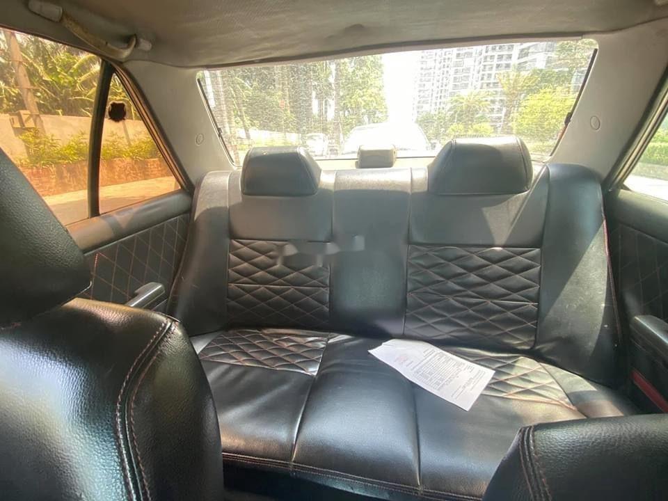 Cần bán lại xe Mazda 323 đời 1995, màu bạc, nhập khẩu (4)