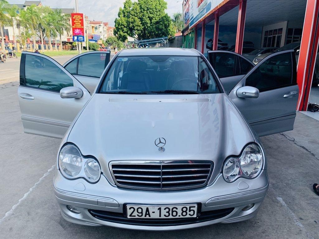 Cần bán xe Mercedes C240 sản xuất 2004 số tự động (1)