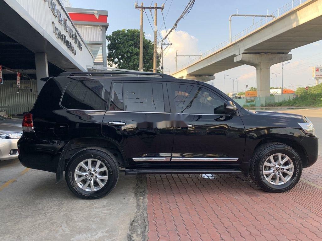 Bán xe Toyota Land Cruiser đời 2016, màu đen, nhập khẩu nguyên chiếc (6)