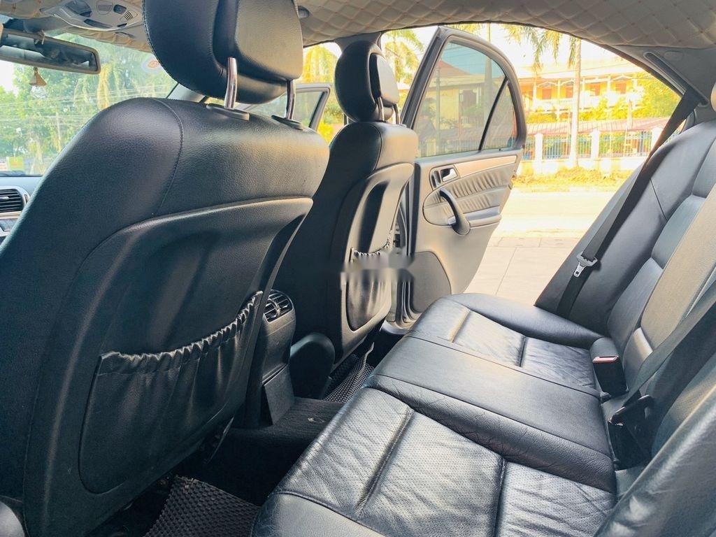 Cần bán xe Mercedes C240 sản xuất 2004 số tự động (11)