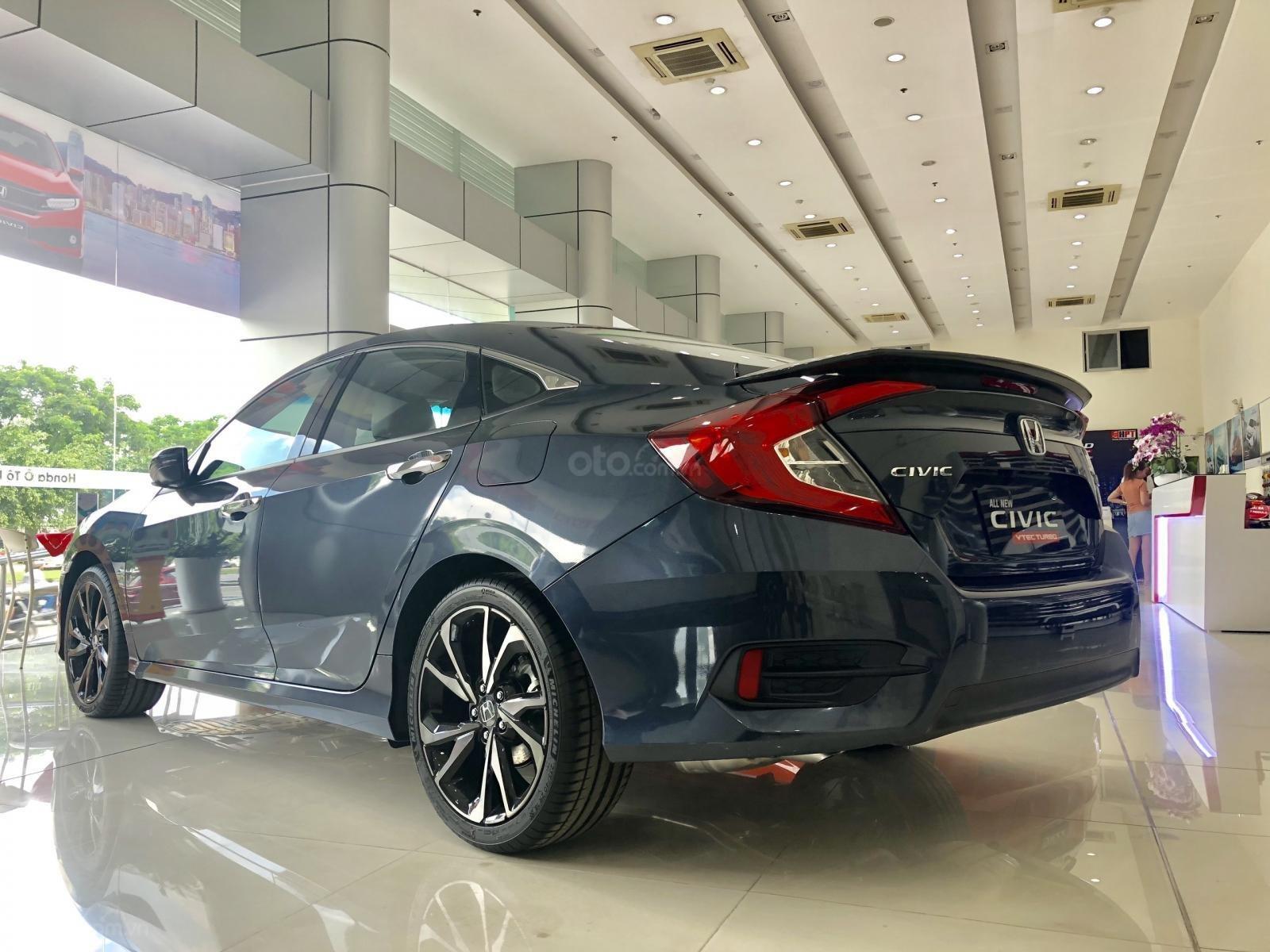 Bán xe Civic RS đủ màu khuyến mãi khủng cho anh em nhanh lẹ (5)