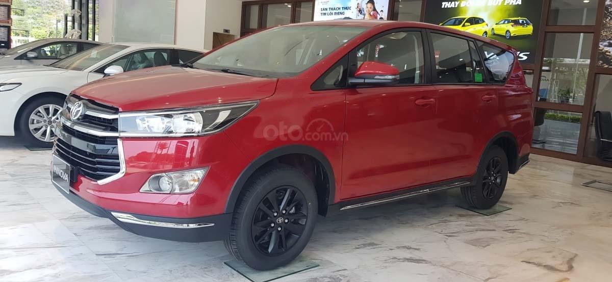Bán Toyota Innova 2.0 Venturer năm sản xuất 2020, xe giá thấp, giao nhanh toàn quốc (2)