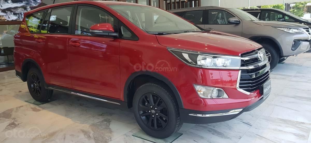 Bán Toyota Innova 2.0 Venturer năm sản xuất 2020, xe giá thấp, giao nhanh toàn quốc (1)