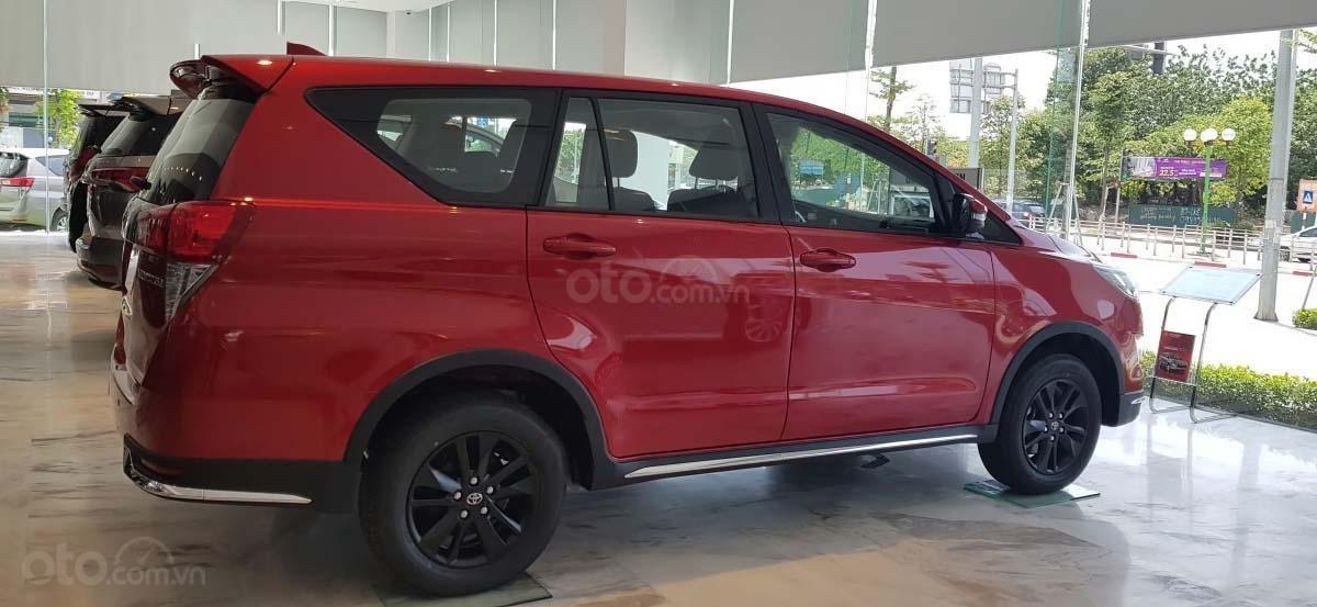 Bán Toyota Innova 2.0 Venturer năm sản xuất 2020, xe giá thấp, giao nhanh toàn quốc (4)