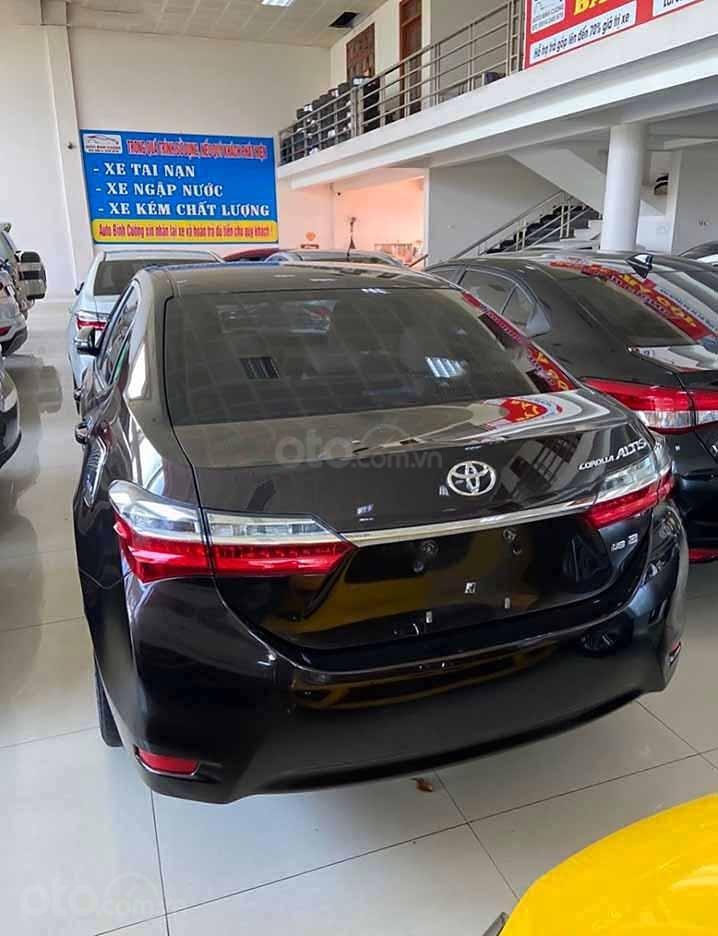 Bán Toyota Corolla Altis đời 2019, màu đen còn mới, giá 720tr (3)