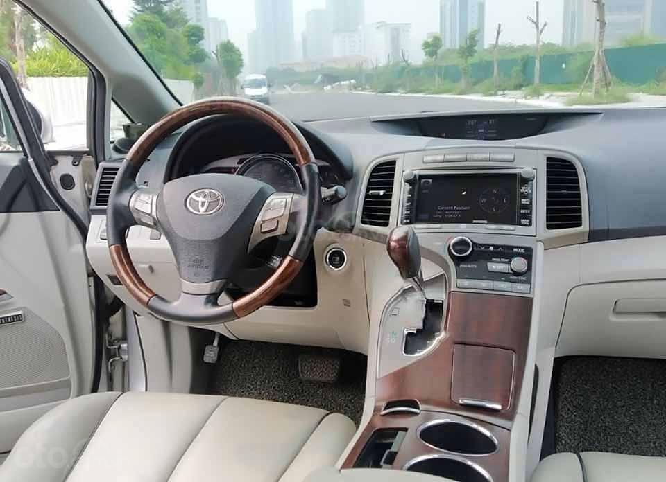 Bán Toyota Venza năm 2009, màu bạc, xe nhập còn mới (4)