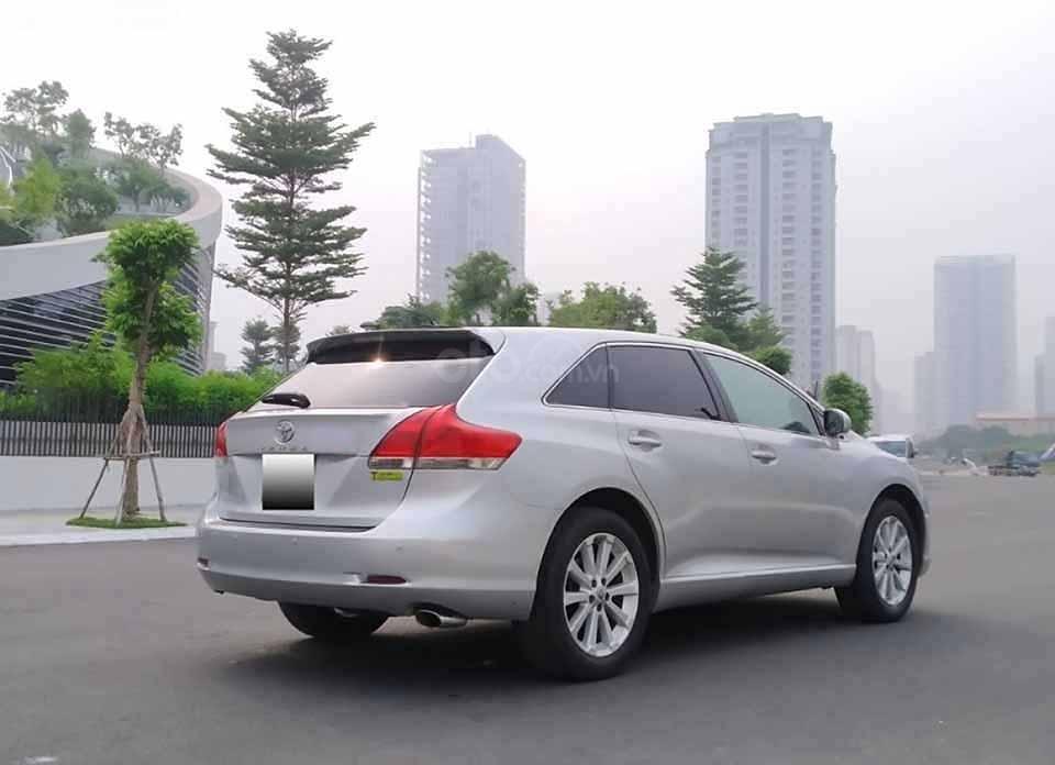 Bán Toyota Venza năm 2009, màu bạc, xe nhập còn mới (2)