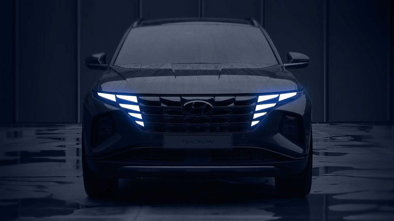 Hyundai Tucson 2021 nhá hàng đầu xe lẫn nội thất hiện đại