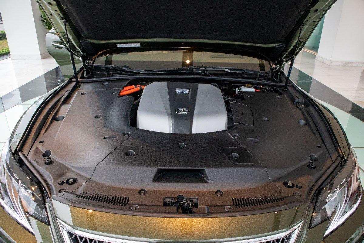 Động cơ trên Lexus LS 2021 mới nhất.