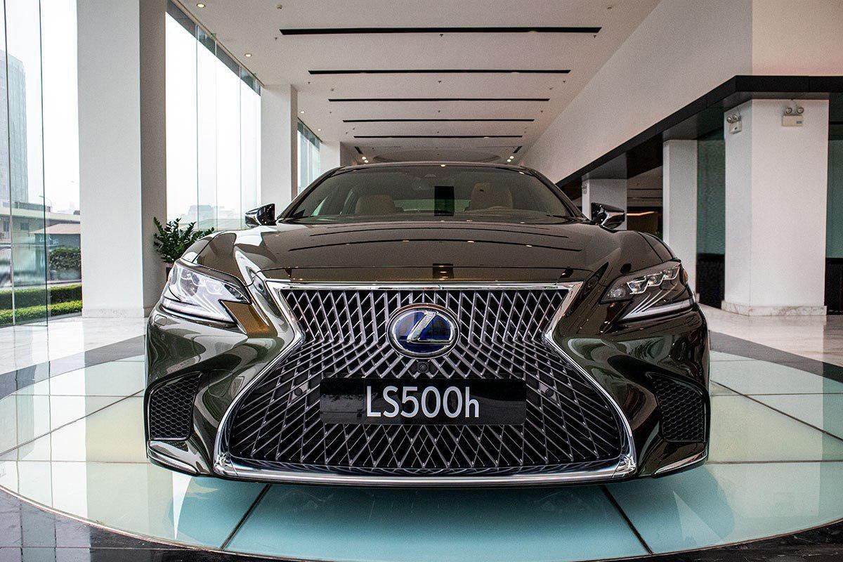 Ngoại thất Lexus LS 2021 mới nhất.