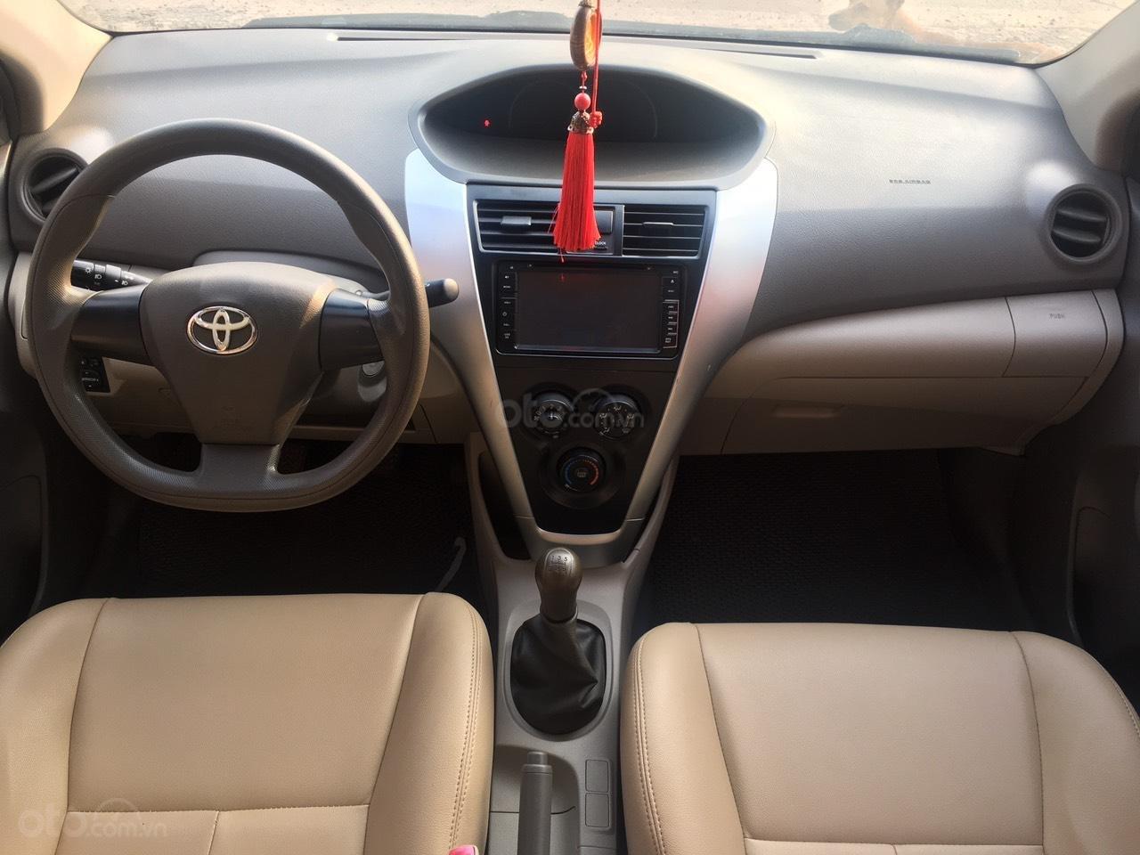 Cần bán Toyota Vios năm sản xuất 2010 giá cạnh tranh (4)