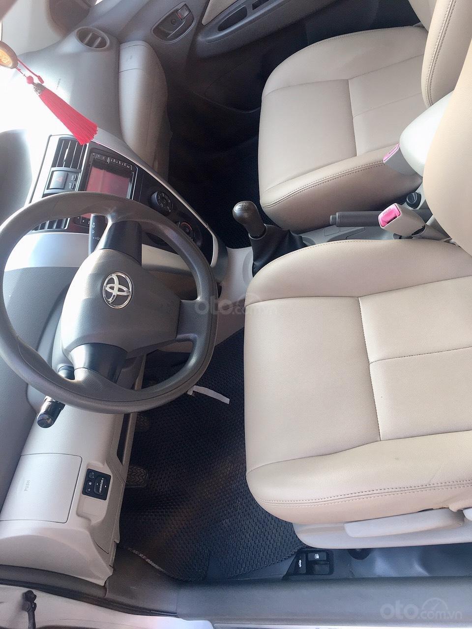 Cần bán Toyota Vios năm sản xuất 2010 giá cạnh tranh (8)