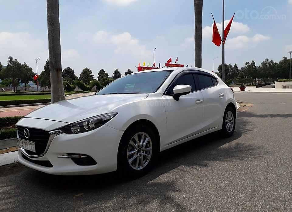 Bán xe Mazda 3 1.5 AT đời 2018, màu trắng còn mới  (4)
